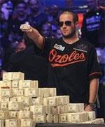 24-jährige Greg Merson von Maryland hat das 2012 World Series of Poker Main Event gewonnen